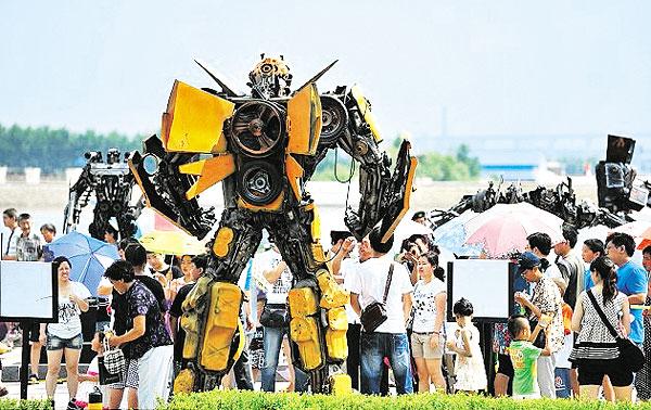 13 Robot Filem Transformers Dipamerkan Di China