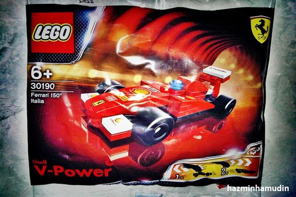 Kereta Mini Ferrari LEGO 1
