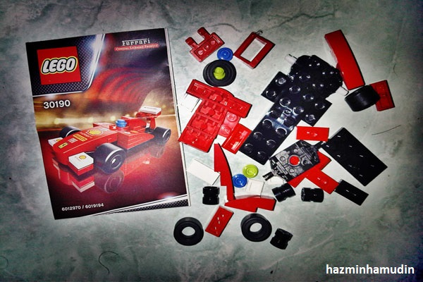 Kereta Mini Ferrari LEGO 3