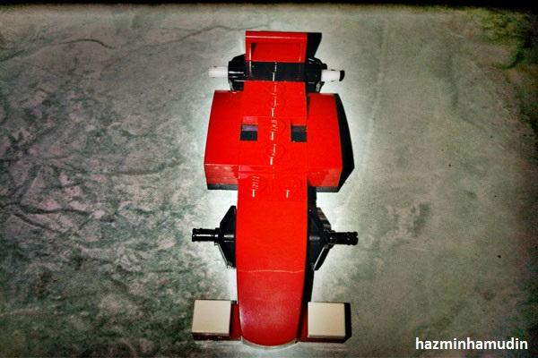 Kereta Mini Ferrari LEGO 5