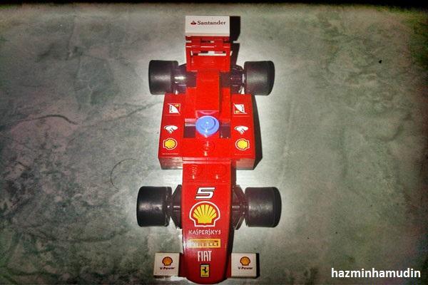 Kereta Mini Ferrari LEGO 6