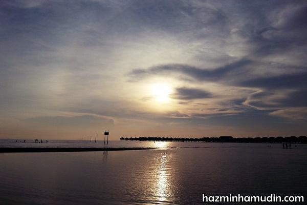Melihat Sunset Di Pantai Bagan Lalang, Sepang