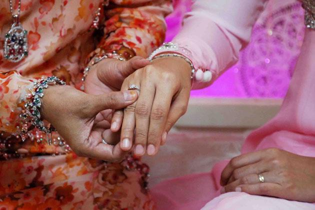 Gambar Pertunangan Akma AF & Farih Hamshi 5
