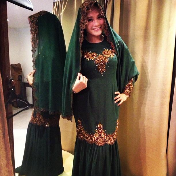 Pertunangan Anne Ngasri dan Mohd Sumali Reduan 2